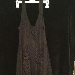 Short black dress, large